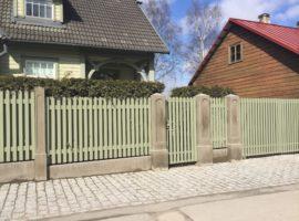 Betoon postid ja aed Tartu 2